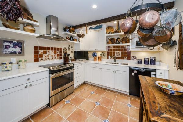 Kitchen Full to SE corner 6web