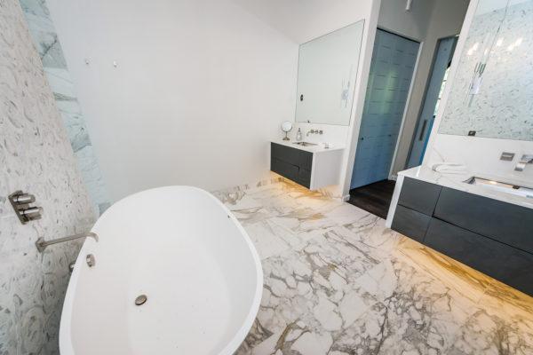 Master Bathroom1nweb
