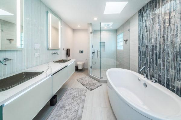 Master Bathroom5